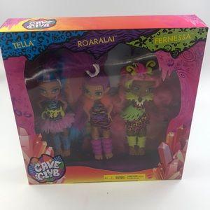 New cave club 3 dolls tella,roaralai and fernessa